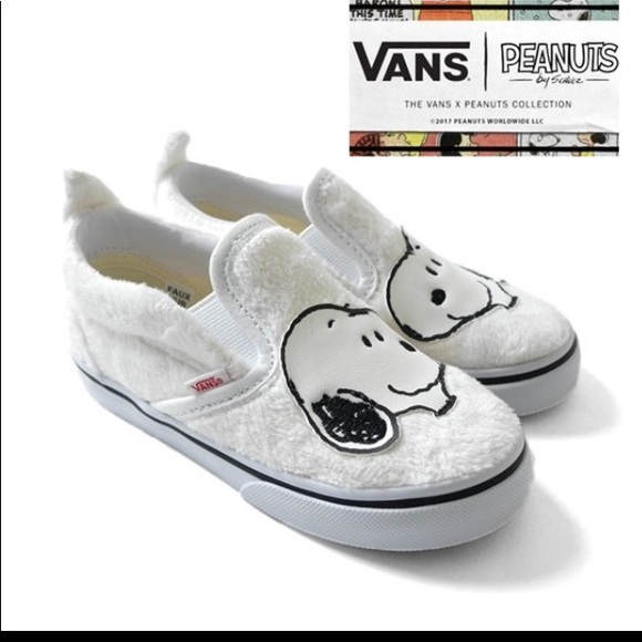 7c058795ad6c78 Vans Peanuts (Snoopy) Classic Slip On Shoes